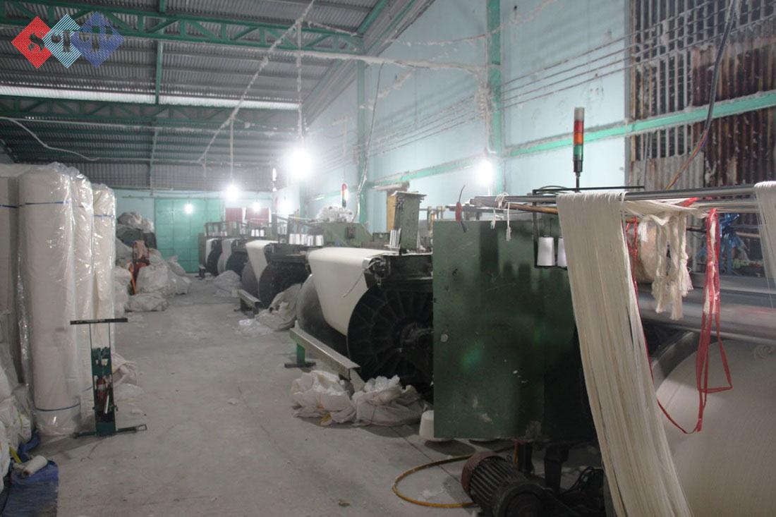 xuong det vai bo orig 1 1 Vải poly 100% chất lượng tốt, được tẩy trắng giá rẻ tại STP (hàng có sẵn)
